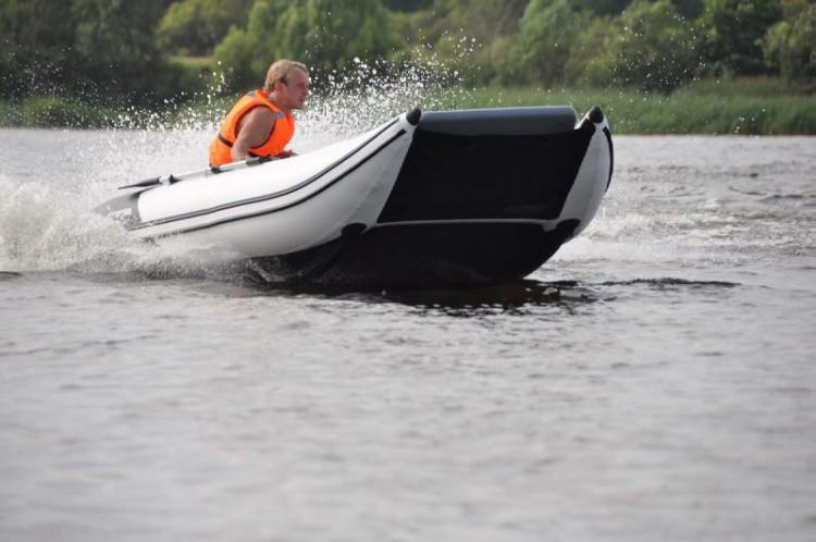 лодок и пвх катамаранного типа